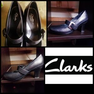 New! Clarks Artisan Leather Mary Janes